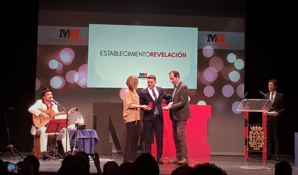 Pedro Ruiz recoge el premio Maestros Hosteleros
